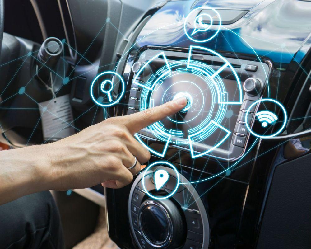 Realtà mista e ologrammi nelle automobili – Il futuro della guida è già realtà